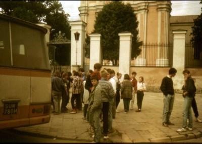 1990_2_05